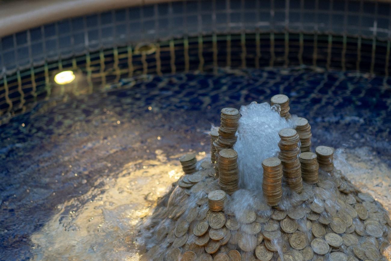 金貨の噴水