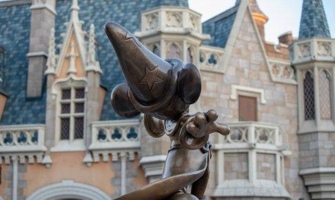 魔法使いの弟子ミッキーと城